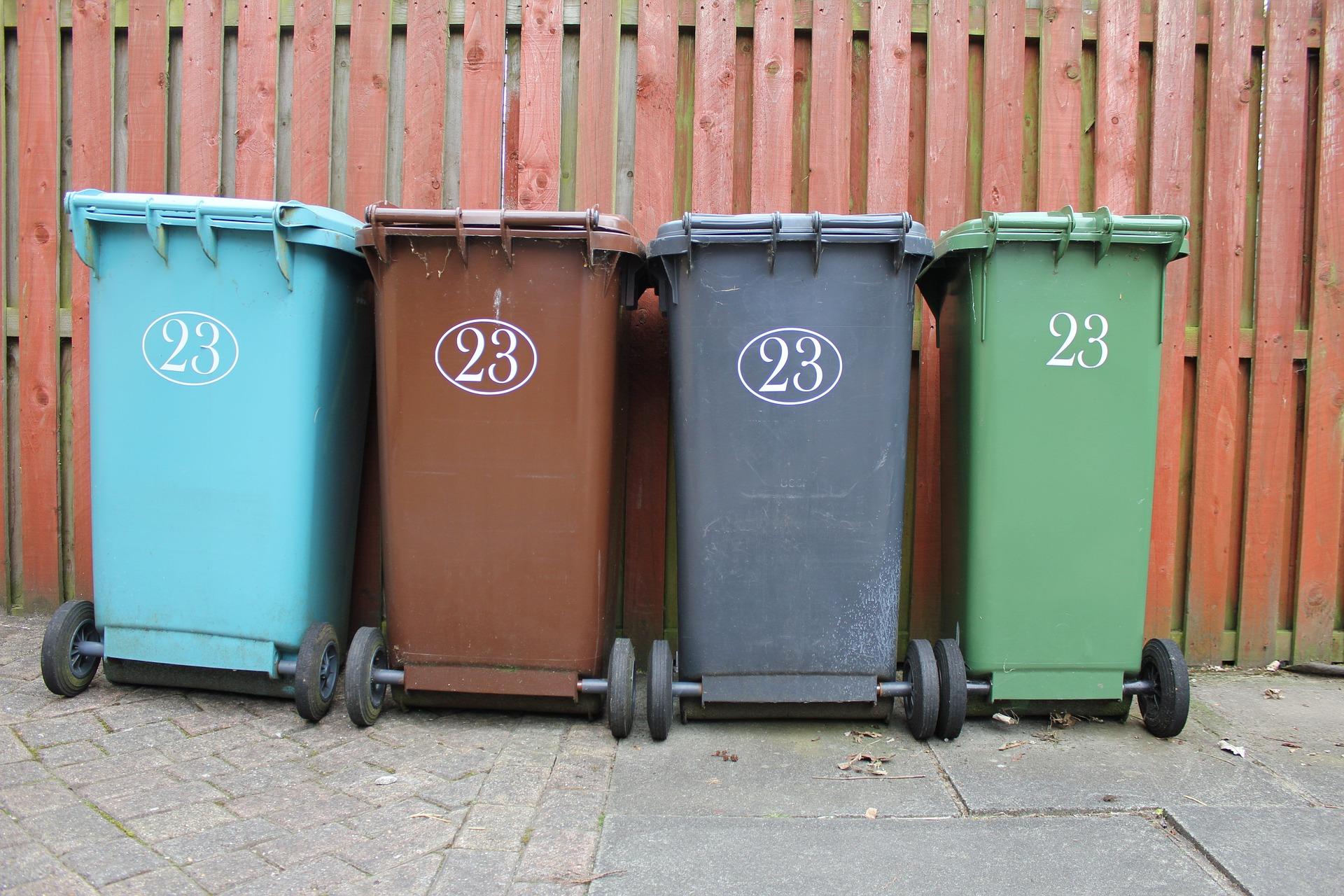 Poubelles Noires De Jardin collecte des déchets - soyaux.fr